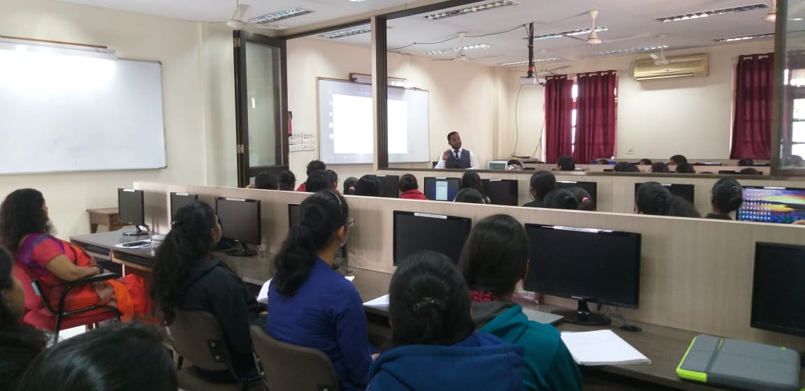 Mr. Ram Gupta conducting a session on Cloud Computing
