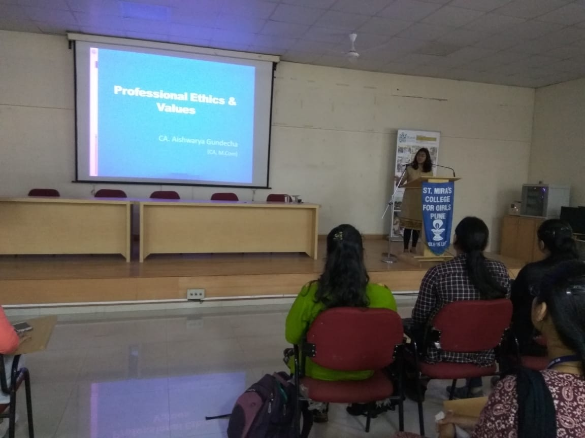 CA Aishwariya Gundecha delivering a lecture on Professional Ethics and Values