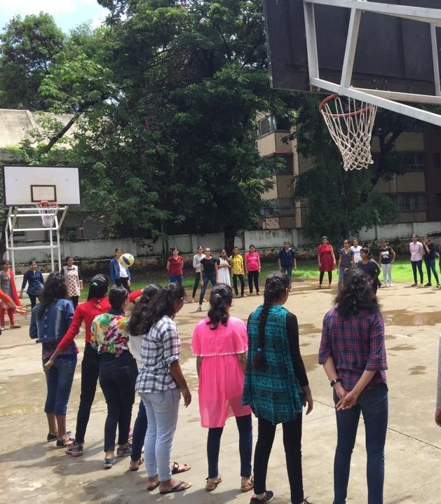 SIP - Day5 - Mentee Groups on the Basketball ground