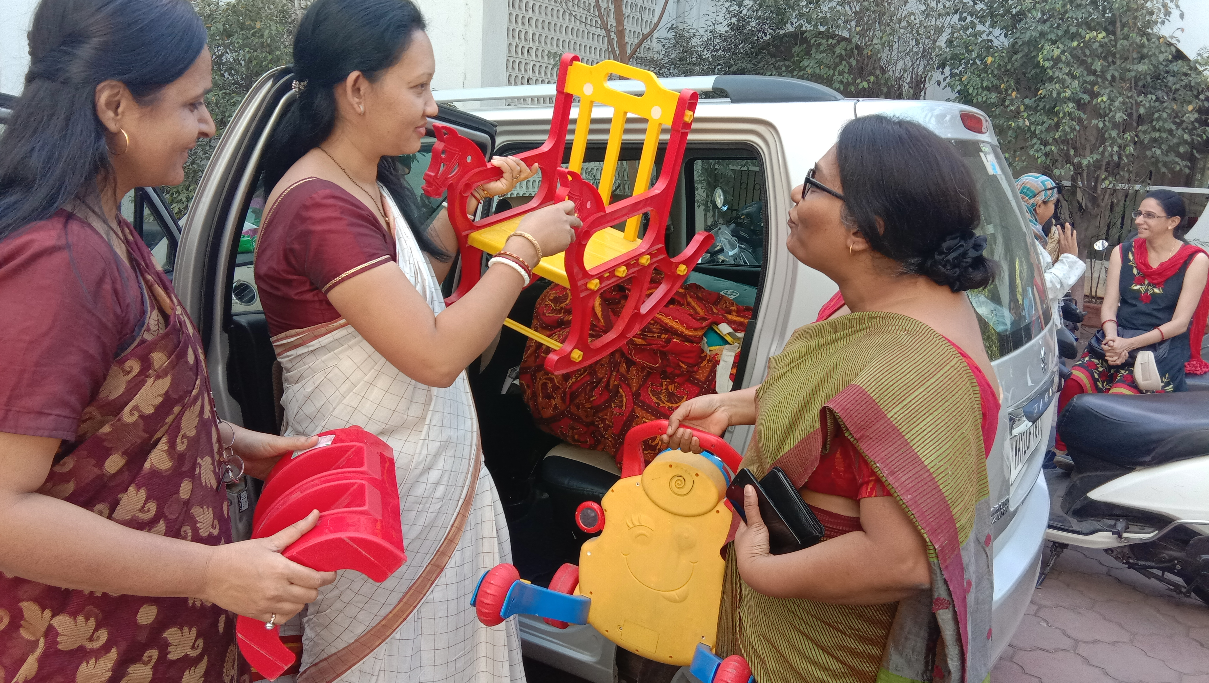Taking toys to DeepGriha